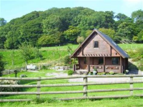 Cheap Cottages Wales by How To Make A Summer House With Cheap Wooden Cabins All