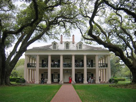southern plantation home oak alley plantation tour from new orleans tripshock