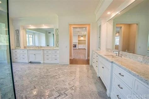 kylie jenners bathroom a new house for kylie jenner in hidden hills ca