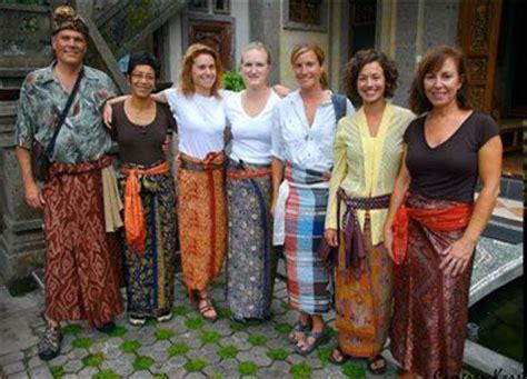 Baleto Tosca traditional cambodian sarong search kalabaz