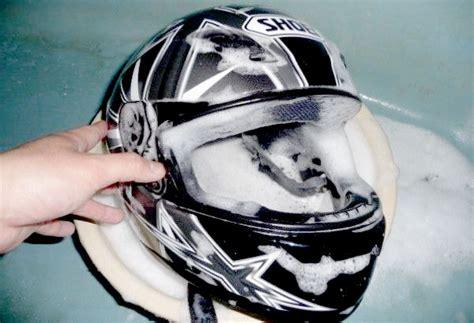 Penyerap Bau Pada Helm tips cara mencuci helm dengan mudah