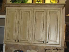 How To Antique Kitchen Cabinets by Lynda Bergman Decorative Artisan May 2012
