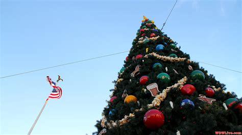 christmas usa wallpaper christmas decorations magic kingdom christmas tree and