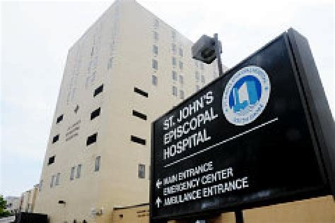 st johns emergency room emergency rooms filled as population rises in rockaways ny daily news