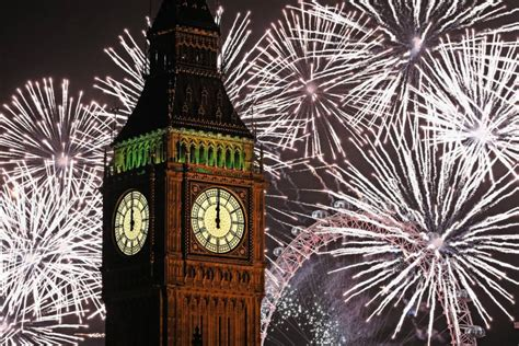 new year s eve celebrations 100 arrested in london as
