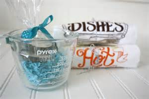 nice Housewarming Gift Ideas Pinterest #2: Housewarming-gift-basket.jpg