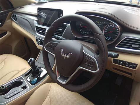 Wuling Cortez Interior Membandingkan Toyota Kijang Innova Vs Wuling Cortez Mana