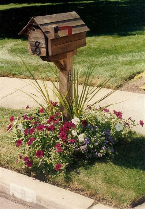 Mailbox Garden Ideas Best 25 Mailbox Flowers Ideas On Pinterest Small Mailbox Garden Ideas Mailbox Landscaping