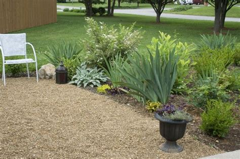 Gravel Landscaping Ideas Pea Gravel Patio Deck Ideas Pinterest Gardens Townhouse Landscaping And Backyards