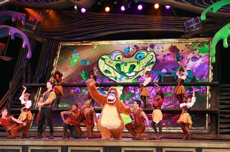 theme park expo 10 incredible theme park stage shows that everyone should