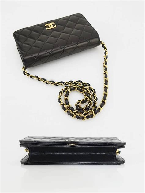 chanel classic black lambskin leather quilted flap