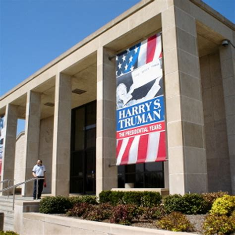 presidential libraries and museums books file harry s truman presidential library and museum jpg