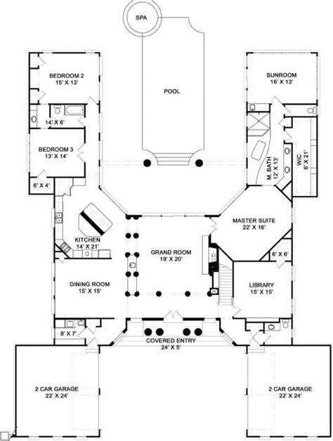 U Shaped Floor Plan by 25 Best Ideas About U Shaped House Plans On U
