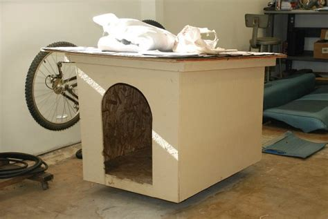old dog house lisa turned an old dog house into a new chicken coop one hundred dollars a month