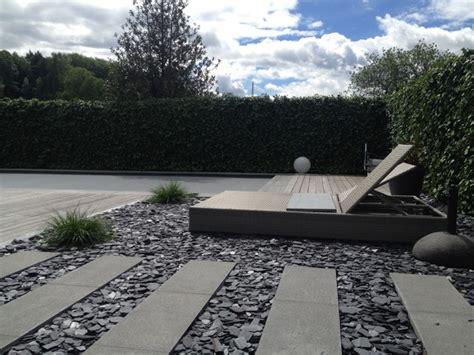 steingarten modern steingarten mit liegefl 228 che