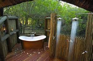 Outdoor Bathroom Designs by Coolest Outdoor Showers Terrys Fabrics S Blog