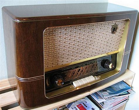 How do I repair old tube radios?