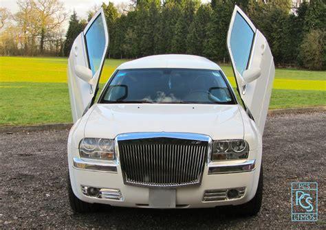 chrysler 300 looks like bentley chrysler limousine baby bentley white limo hire