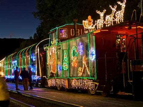 niles canyon train of lights day trip top 5 bay area christmas activities offmetro sf