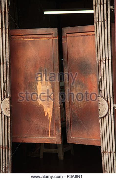 swinging door saloon saloon doors stock photos saloon doors stock images alamy