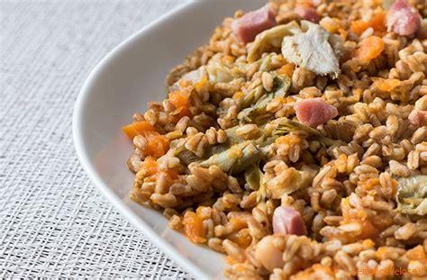 ricette per cucinare il farro farro con zucca e carciofi ricetta ed ingredienti dei