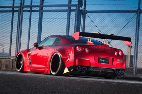 LB ? Works Nissan R35 GT R Body Kit   Liberty Walk