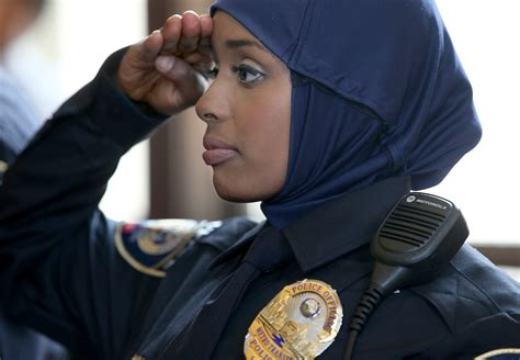 first female police officer minneapolis somalian police officer khadra mohamed the