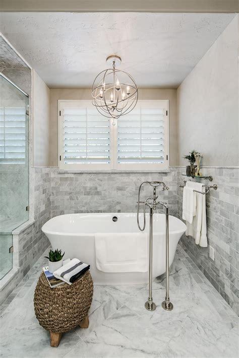 kronleuchter badezimmer photos hgtv