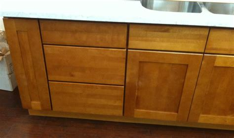 maple shaker kitchen cupboards honey maple shaker kitchen cabinets photo