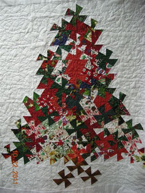 twister christmas tree quilt pattern let s twist christmas tree