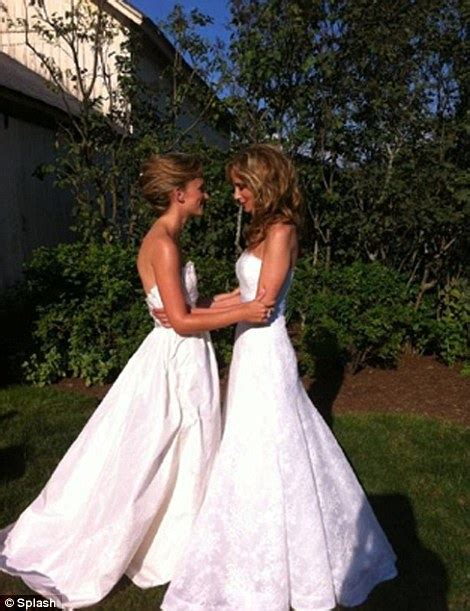 chely wright wedding lesbian country singer gets married