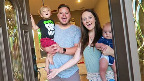 Adressaufkleber Familie by New House Reveal Daily Bumps Moving Special
