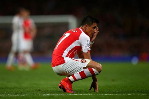 alexis sanchez story arsenal injury news alexis sanchez likely to join danny