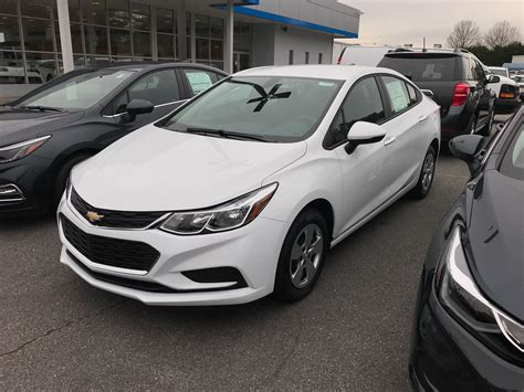chevy cruze 2017 white hecho en mexico cruze sedans found in american dealerships