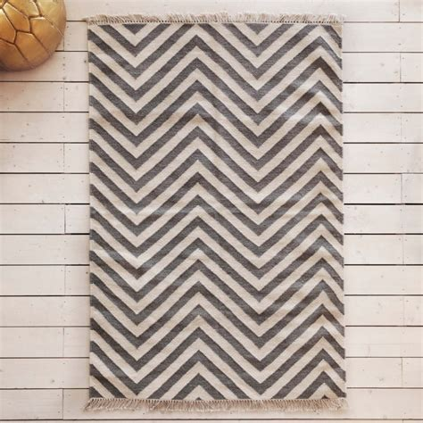 white and gray chevron rug chevron grey and white rug roselawnlutheran
