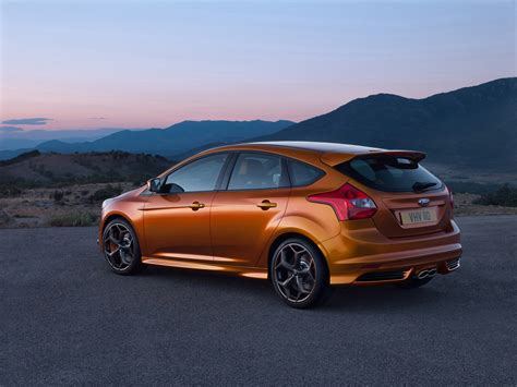 2012 Ford Focus Side Photo 2012 Ford Focus St Rear And Side 2 1280x960 Wallpaper