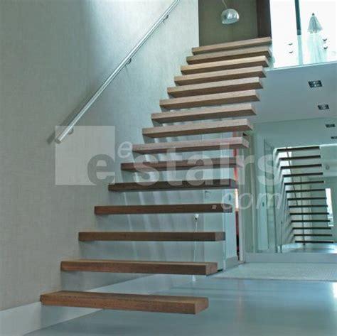 Freistehende Treppe by 220 Ber 1 000 Ideen Zu Freitragende Treppe Auf
