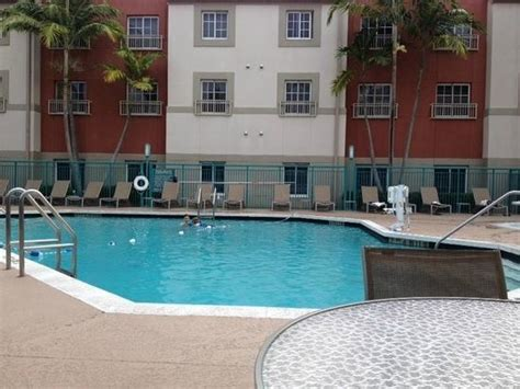 hyatt house miami airport pool areas picture of hyatt house miami airport miami tripadvisor