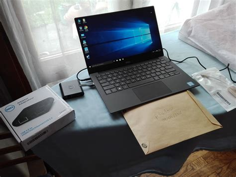 Laptop Dell Oktober dell xps 13 9350 fhd i5 8gb 256gb qwerty da100 tb3 0