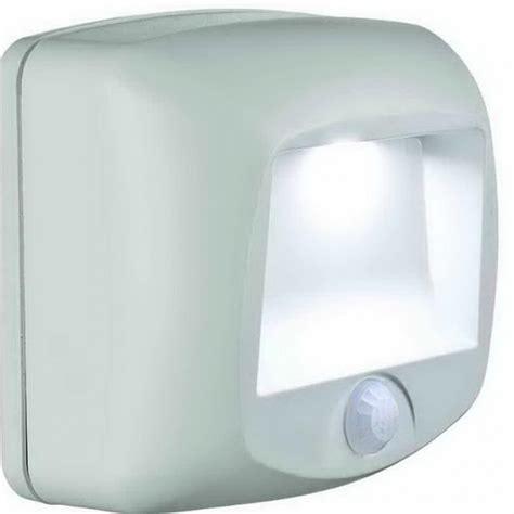 battery powered closet light fixtures battery operated closet light fixtures home design ideas