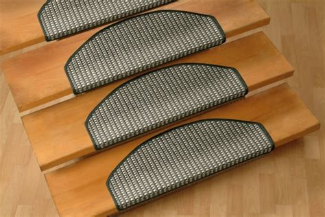 teppich treppenstufen treppenstufen teppichboden m 246 belideen