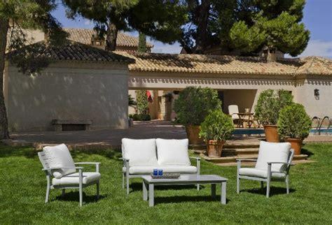 salon de jardin blanc salon de jardin en aluminium blanc qaland