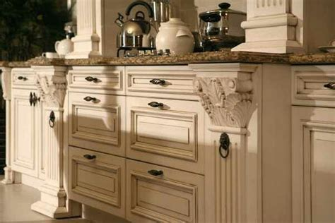 Antique Finish Kitchen Cabinets Yhe Finish Kitchen Cabinets Glazed Antique White Autumns Way Pinterest