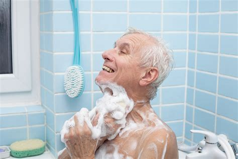 old people bathtub senior hygiene and personal care five tips for caregivers