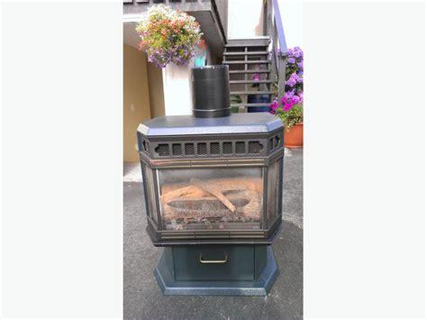 osburn gas fireplace with chimney saanich sidney
