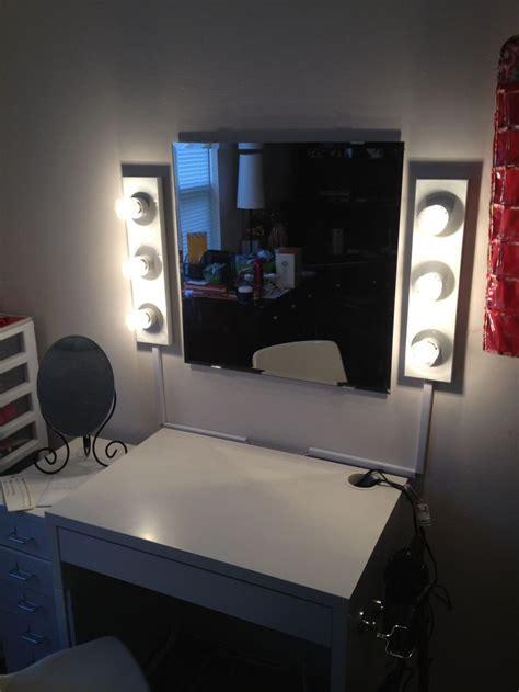 Bathroom Lights Keep Turning 54 Best Images About Make Up Room On