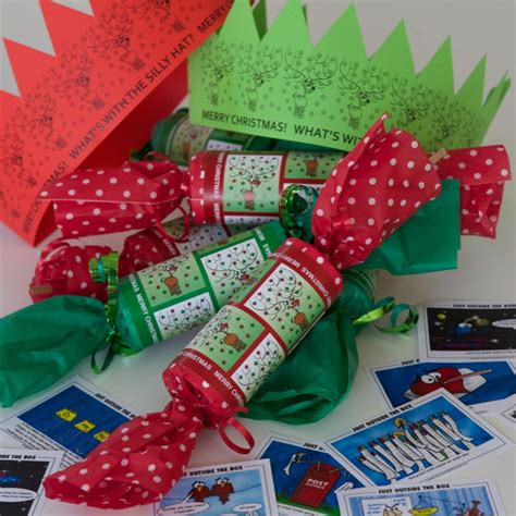 fabulous friday freebie diy christmas crackers just