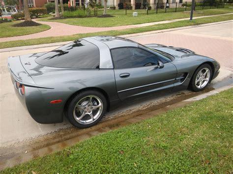 corvette c5 spoiler pics of black or unpainted caravaggio spoiler on a c5