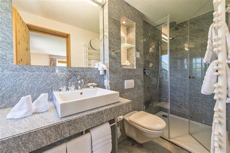 granit badezimmer quot badezimmer mit granit quot chesa randolina sils im engadin