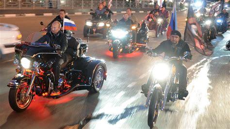 Motorrad Berlin Russen by Nachtw 246 Lfe Putins Russen Rocker Durch Die Hauptstadt